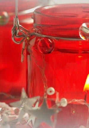 weihnachtslichter-teelichter-im-roten-kerzenglas-vorschaubild